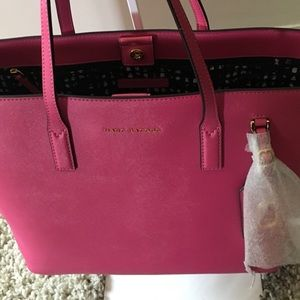 Gorgeous authentic Marc Jacobs Pink Tote NWT